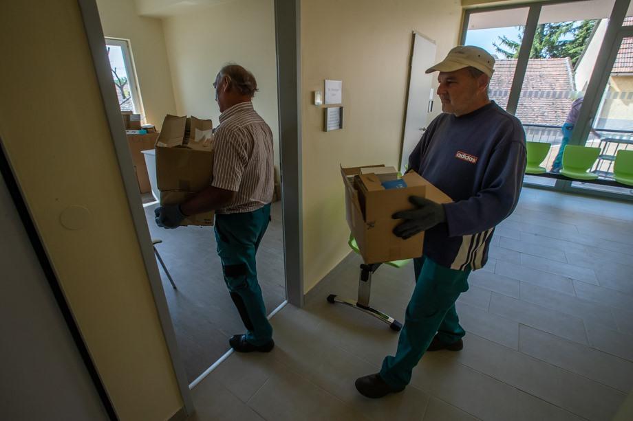 Így költöznek az orvosok a hétfőn nyíló Egészségházba