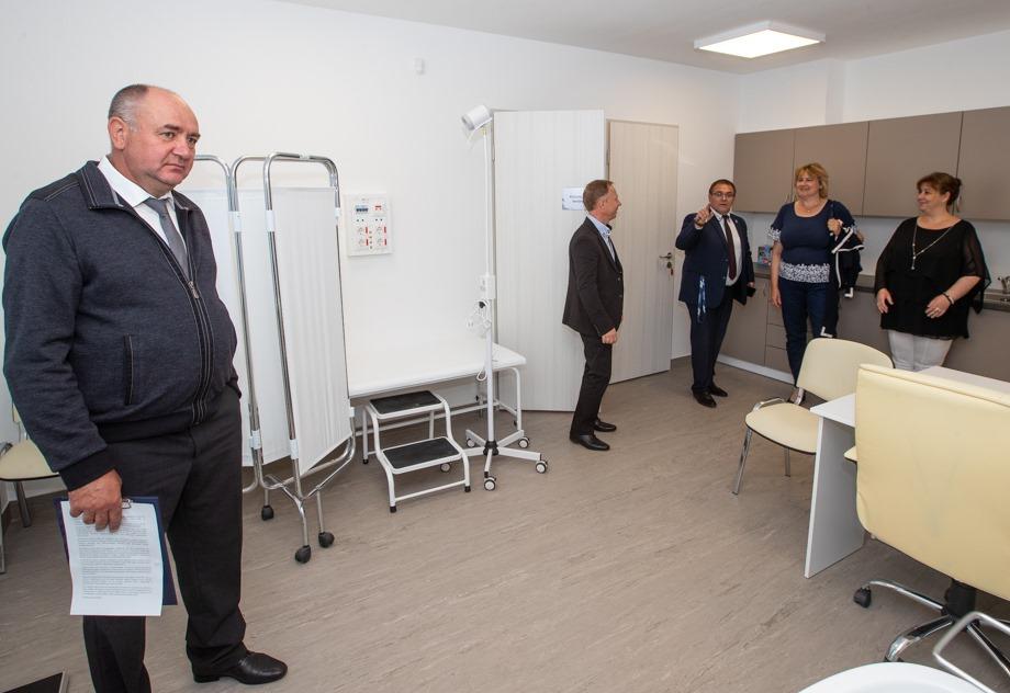 Nézegessen képeket az Egészségház megnyitójáról